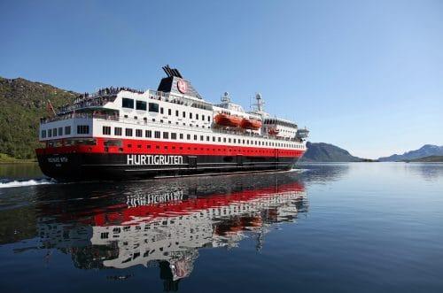 © Hurtigruten