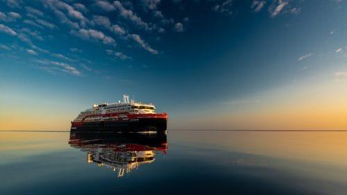 © Hurtigruten / Photo By Karsten Bidstrup