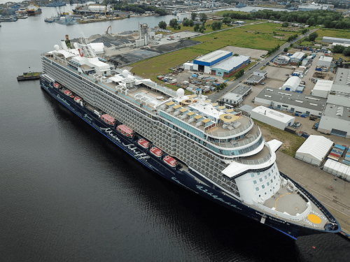 Mein Schiff 6 in Wilhelmshaven © Turbo Technik