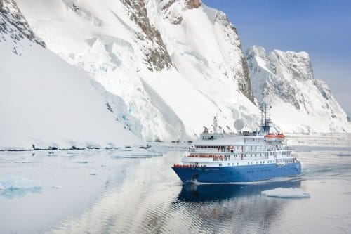 Sea Spirit im Eis / © Poseidon Expeditions