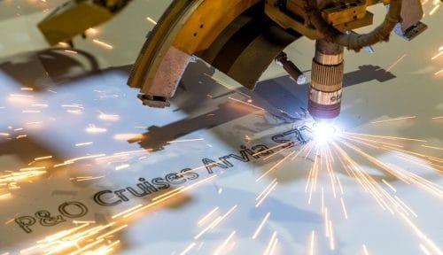 Brennstart der P&O Arvia / © Meyer Werft Papenburg