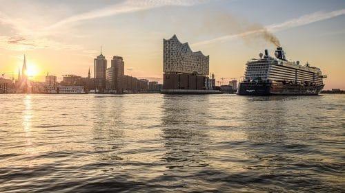 Die Mein Schiff 3 in Hamburg / © Jens Hagens